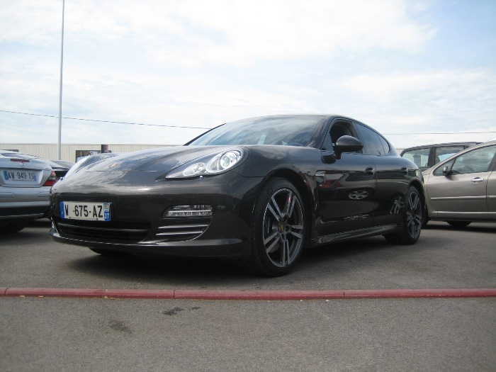 Universal motors garage automobile bernay r paration for Garage reparation audi